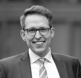 Damian Sternberg, Busse & Miessen Rechtsanwälte